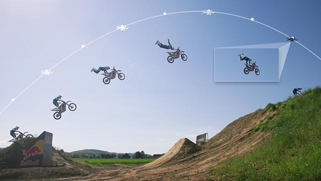 自動追尾形の無人飛行ロボット「HEXO+」で空中からの撮影が可能に