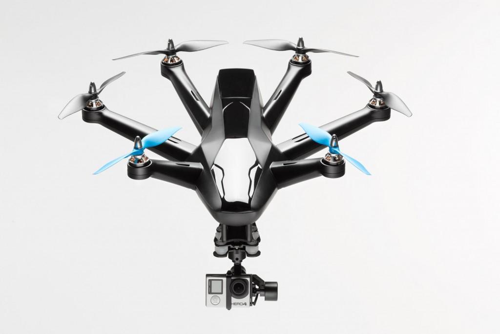 完璧な自撮り空撮映像をめざすなら自動追尾ドローン「HEXO+」でキマリ!