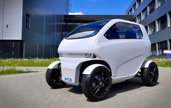 縦列駐車も超簡単!つながって列車みたいになる近未来コンセプトEV「EOscc2」