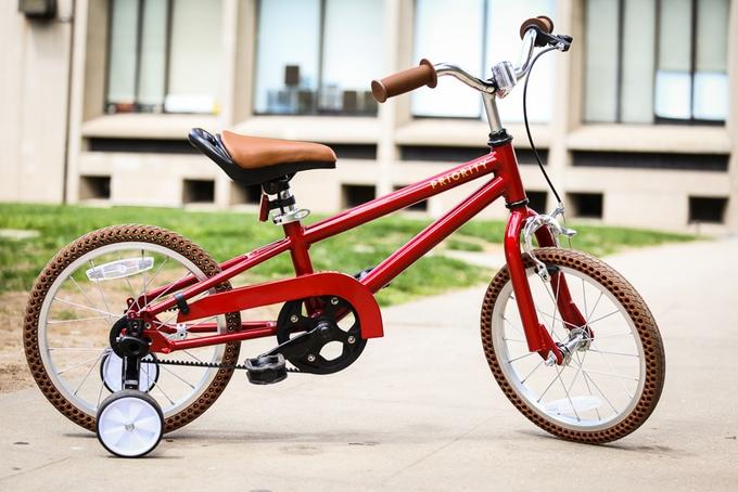 これで自転車練習も楽しくなる? 初めてにピッタリな子ども用自転車