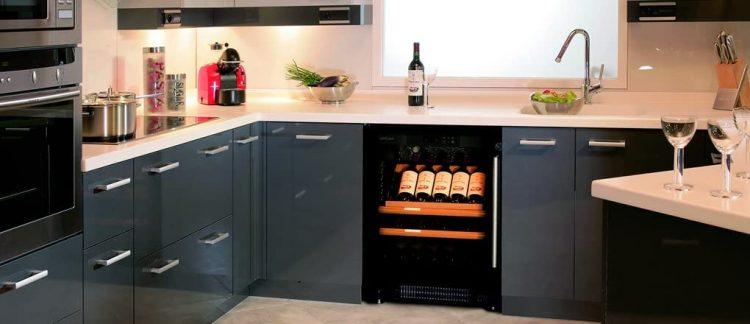 小型ワインセラーのおすすめ11選。家庭で使えるおしゃれなモデル