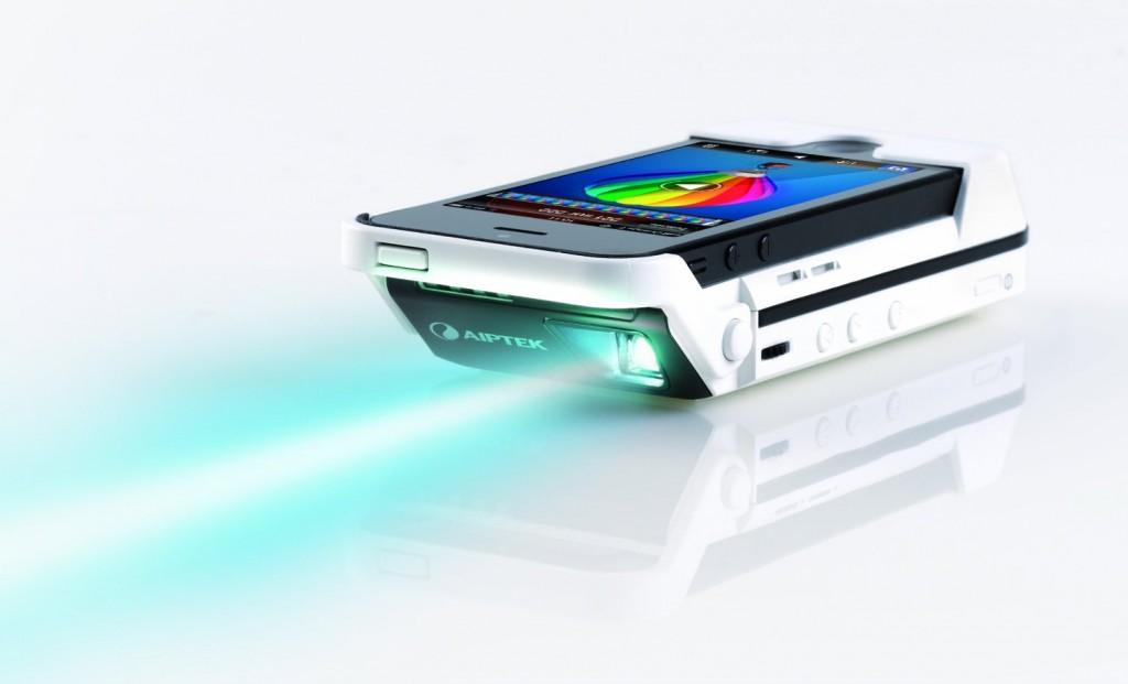 iPhone5/5s対応のおすすめ小型プロジェクター特集