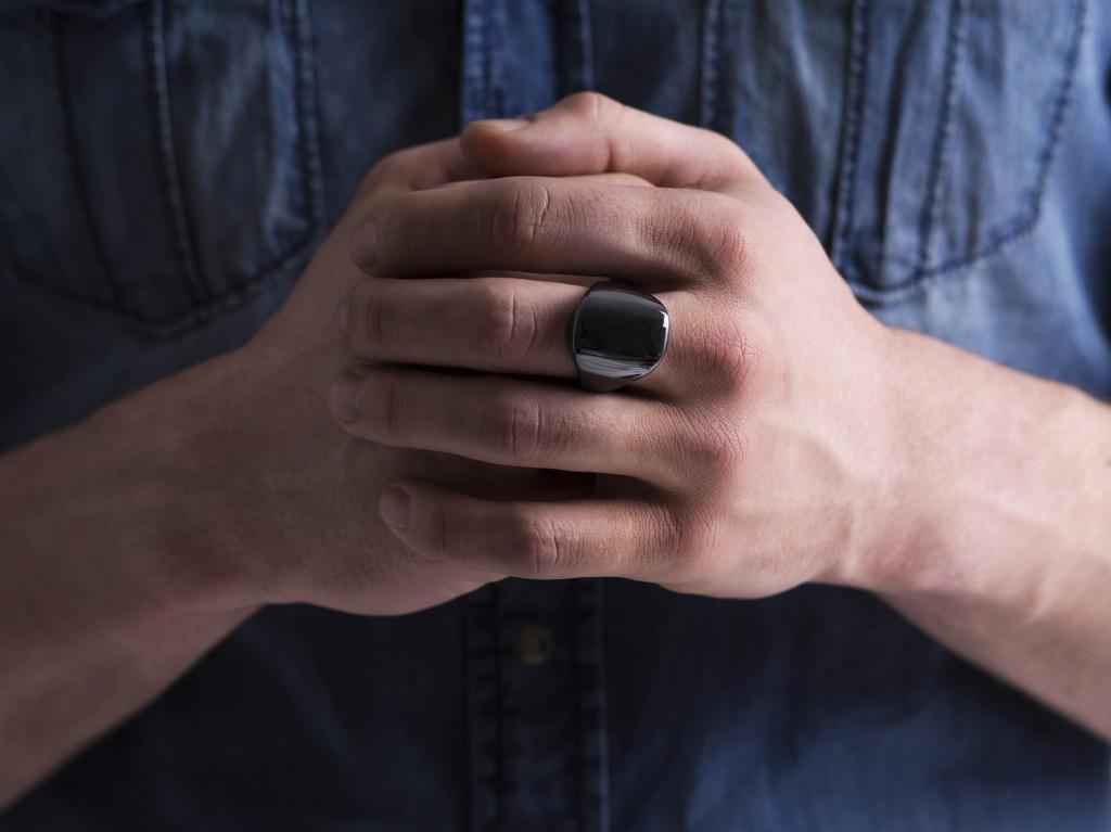 リストバンド型はもう古い?メディカルグレードのウェルネスモニターリング「Oura ring」