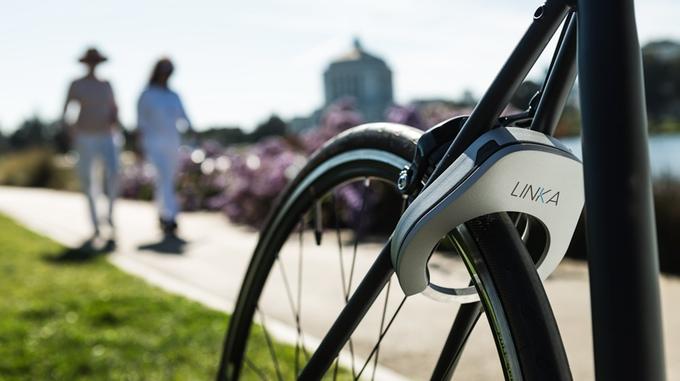 スマホで自動開錠!スマートエントリーを可能にする自転車用ロック「LINKA」