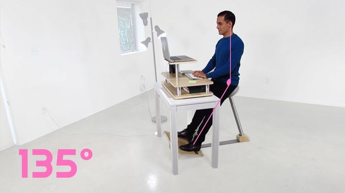 これで腰痛・肩こり知らず!体に負担をかけないパソコンデスク用チェア「A-Gravity Chair」