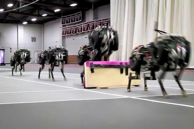 走りながら障害物を越えるMIT開発ロボットチーターが怖カワイイ!