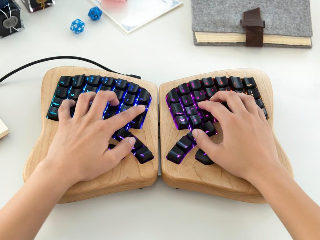 カスタマイズ自由なキーボード「The Model 01」が家宝級