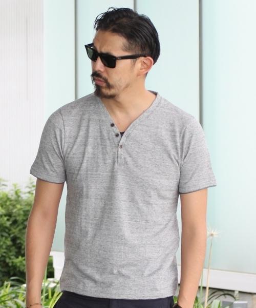 シンプルだからこそこだわりたい!ヘンリーネックシャツのおすすめメンズブランド特集