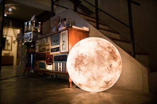 まるで別世界。「Luna」を置いて宇宙空間をあなたの家に