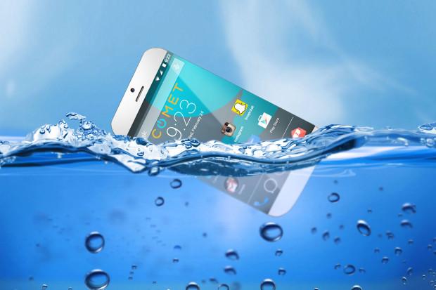 世界初!水に浮く高性能防水スマートフォン「COMET」