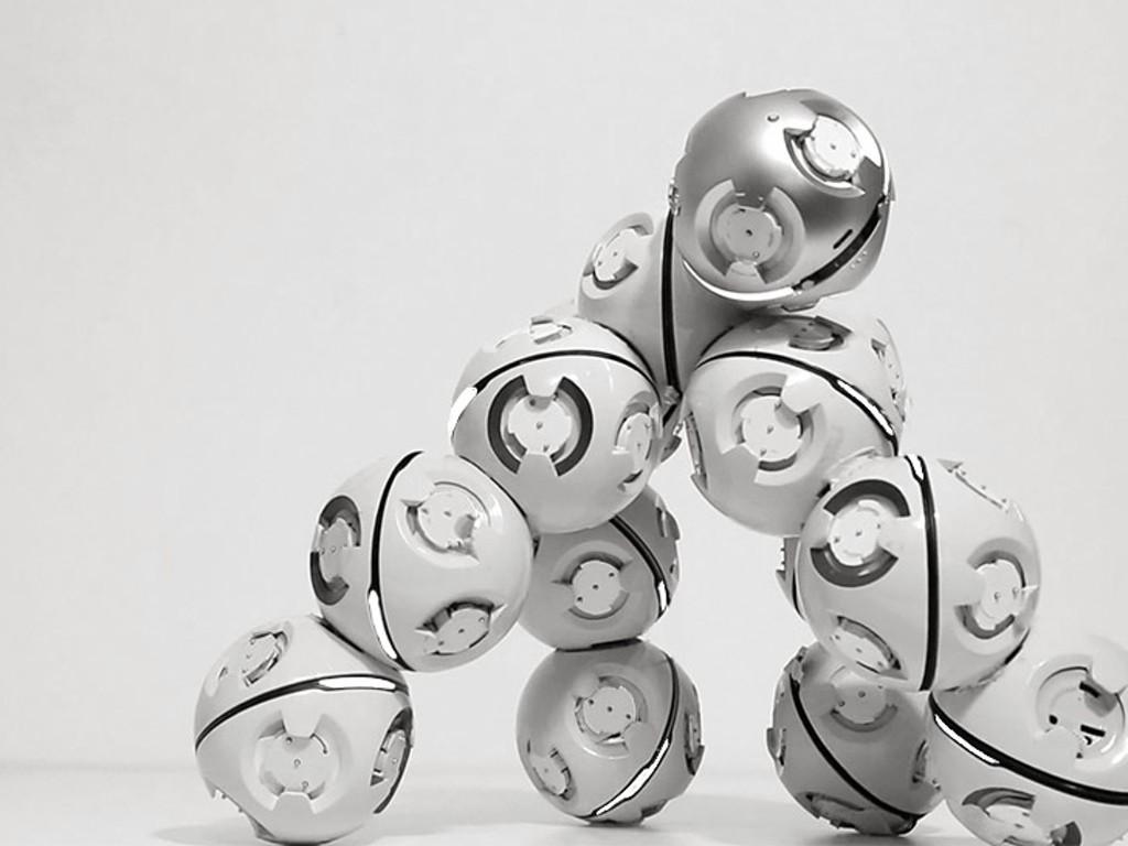 """ドンドンつないで""""成長""""させることのできるモジュール型ロボット「CellRobot」"""