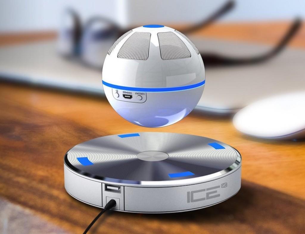 これオモシロい!本当に宙に浮くボール型Bluetoothスピーカー「ICEORB」