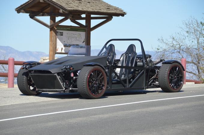 一度は乗ってみたい!人馬一体感が楽しい究極のライトウェイトスポーツカーが登場
