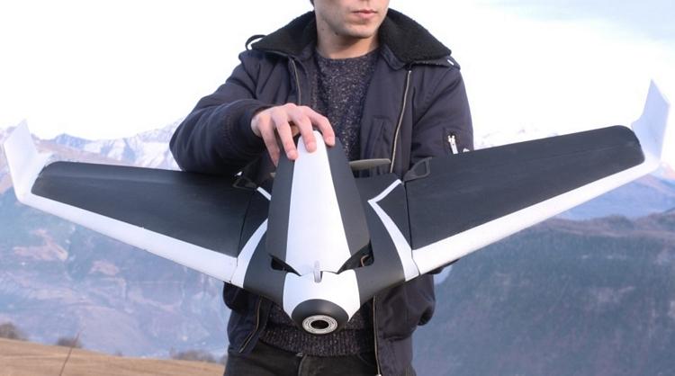 これはもうあのドローンではない?時速80kmで飛行する固定翼「Parrot Disco」がぶっちぎり