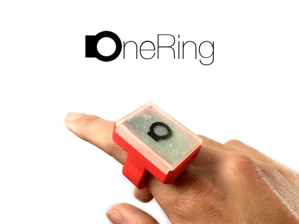 パーキンソン病患者の役に立ちたい!症状を記録して正確な投薬につなげるスマートリング「OneRing」