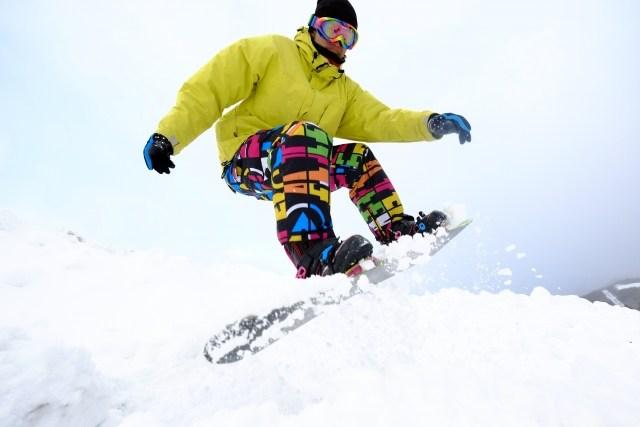 スノボメーカーでもう悩まない!スノーボードおすすめ人気ブランド5選