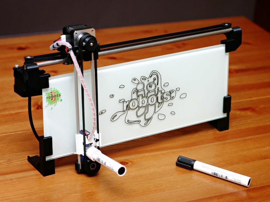 """ネットにつながり文字や絵をペンでかいてくれる「iBoardbot」の""""アナログ感""""がたまらない"""