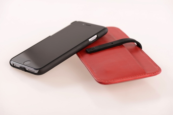 クラフトマンシップとテクノロジーの融合!イタリアンカーフスキンのワイヤレス充電ケース「Connected Sleeve」