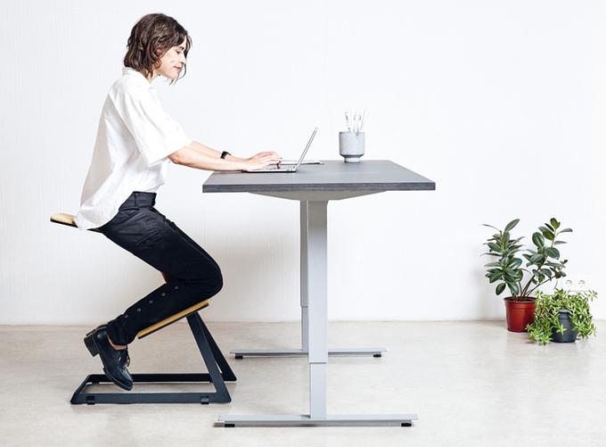 綺麗な人は、姿勢も美しい。心身ともに健康になれるエルゴノミックチェア「W Chair」