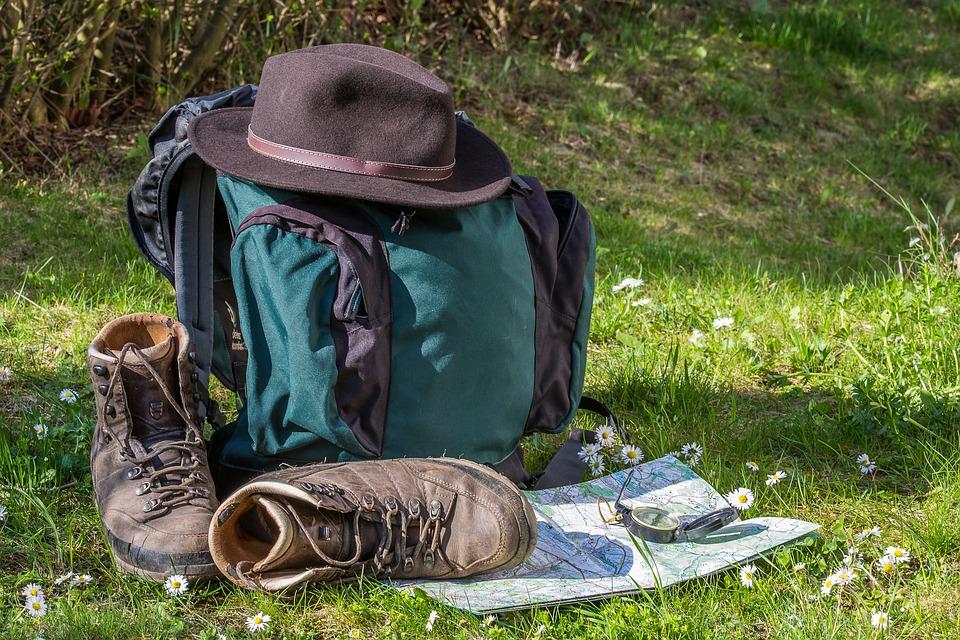 登山初心者が持っていくべきおすすめ持ち物10選