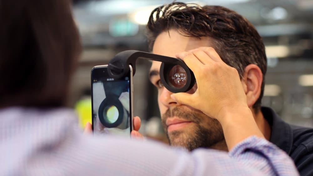 眼科で使っているあの装置をiPhoneで再現して、目の病気を事前に防ごう