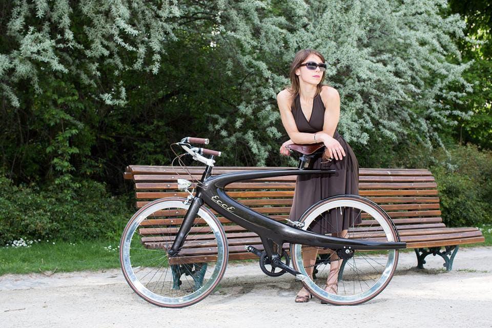 レトロで近未来でラグジュアリー!美しいフレームの自転車に見惚れてしまいそう
