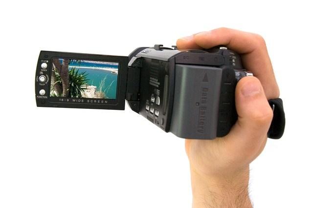 ハンディタイプのおすすめビデオカメラ18機種比較【2016年版】|手軽に高画質の思い出を残そう
