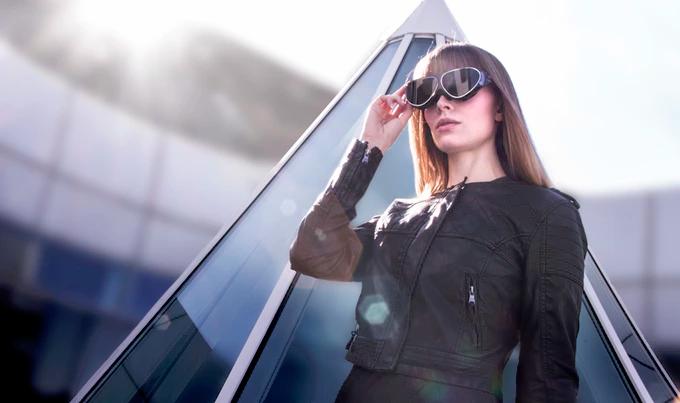 VRはゴーグルからメガネへ!88gの「Dlodlo V1」の快適な装着感が魅力的