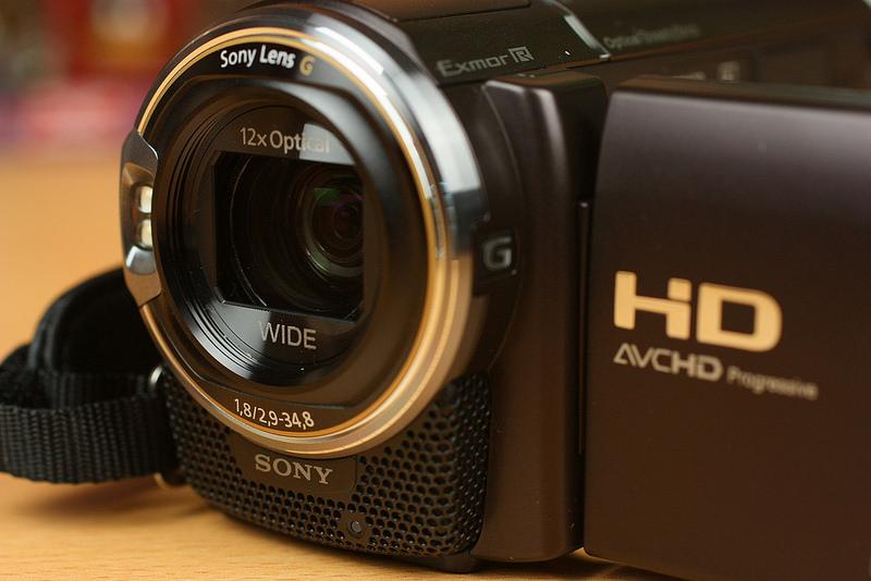 ソニーとパナソニックのビデオカメラ特集。伝統の2大メーカーどっちがおすすめ?