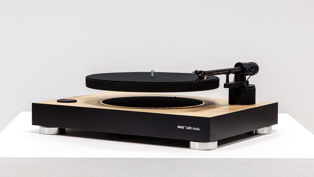 アナログレコードに目覚めたなら…浮遊するターンテーブルで聴くサウンドが新鮮すぎる