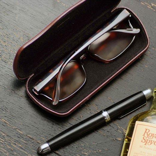 おしゃれメンズ必見のメガネケース人気ブランド特集。男性へのプレゼントにもおすすめ