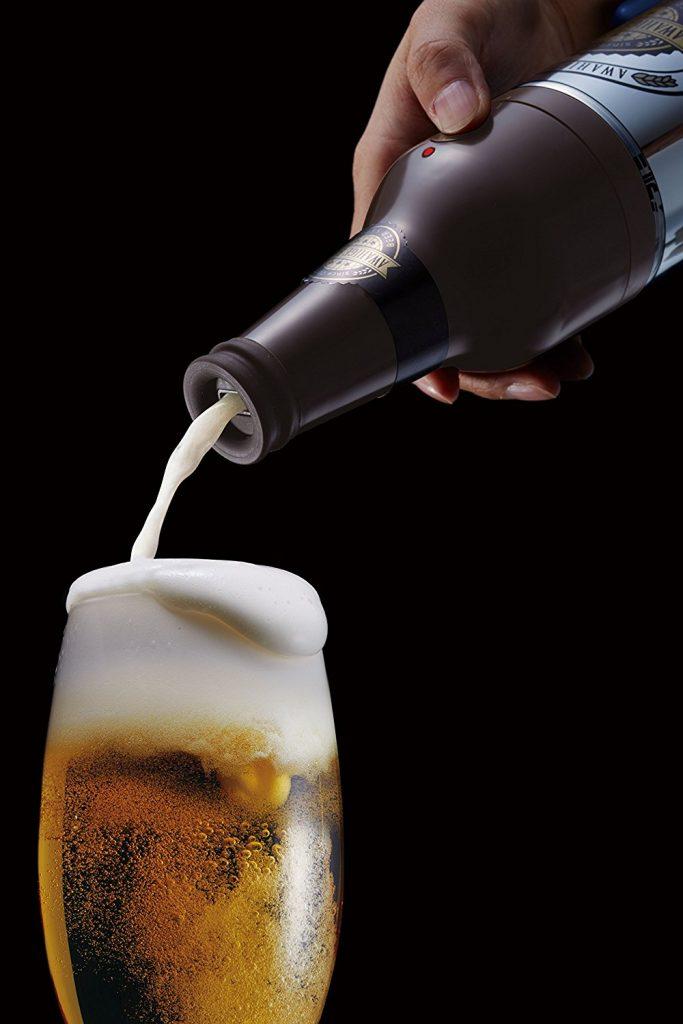 これいつもの缶ビール?缶に装着するだけでクリーミーな泡をつくる「ビアサーバー」