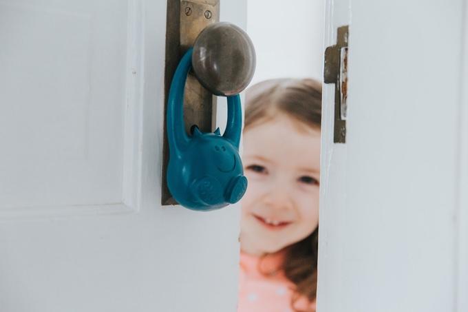 子どもをいつも見守りたい。ドアの開閉を検知するチャイルドモニターで毎日安心