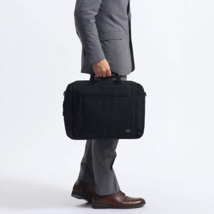 カジュアルに持ち歩くメンズにおすすめのビジネスバッグ9選