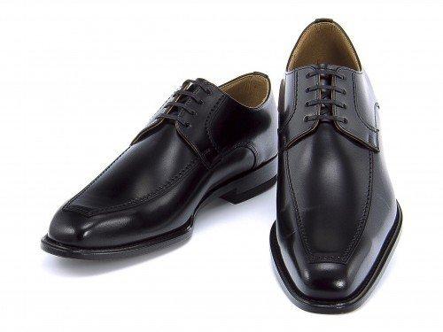 革靴ならリーガルがおすすめ。メンズの人気モデルを履きこなそう