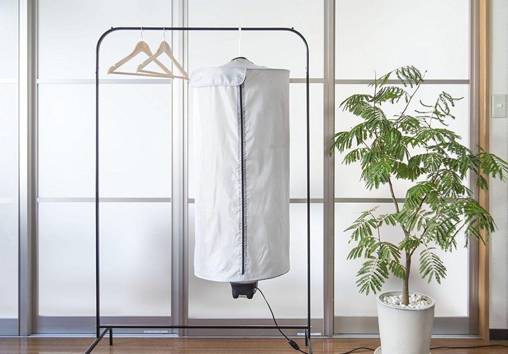 部屋干しの味方。省エネでコンパクトな衣類乾燥機