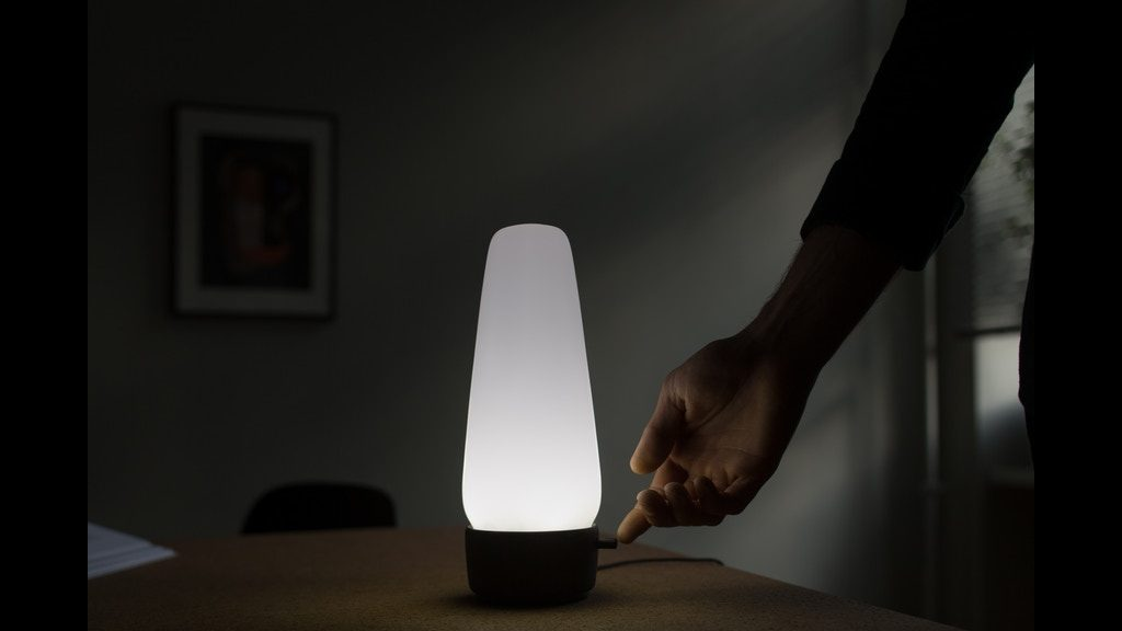 間接照明ならコレ!洗練されたデザインが光るAI音声アシスタント搭載スマートライト