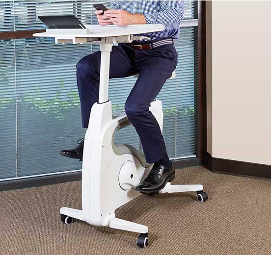 忙しくて運動不足なら。仕事しながら運動できるデスク付きフィットネスバイク