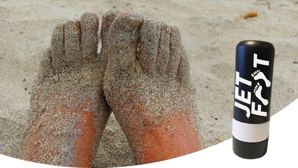 海遊びの後はコレ!水圧で砂をスッキリ落としてくれるポータブルフットウォッシャー