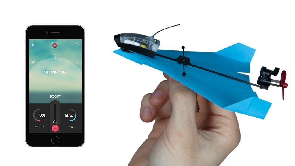 紙飛行機がこんなに楽しい!スマホであらゆる曲技飛行ができる紙飛行機キット