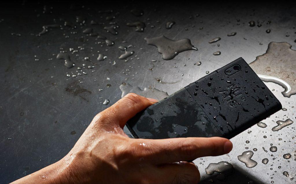防水機能を備えたSIMフリースマホおすすめ5選。水まわりでも安心して使えるモデルをご紹介
