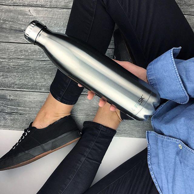 ドイツのファッション誌VOGUにも掲載。フラスクのパーフェクトボトル