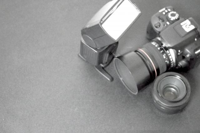 カメラ用のストロボおすすめ5選。撮影時の光をコントロールしてより自然な仕上がりに