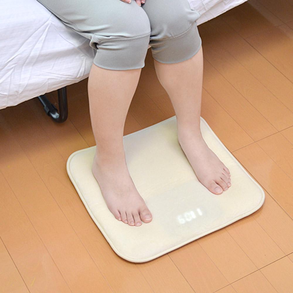 二度寝を防ぐ目覚まし「ニドネン」。体重をかけないとアラームが止まらない