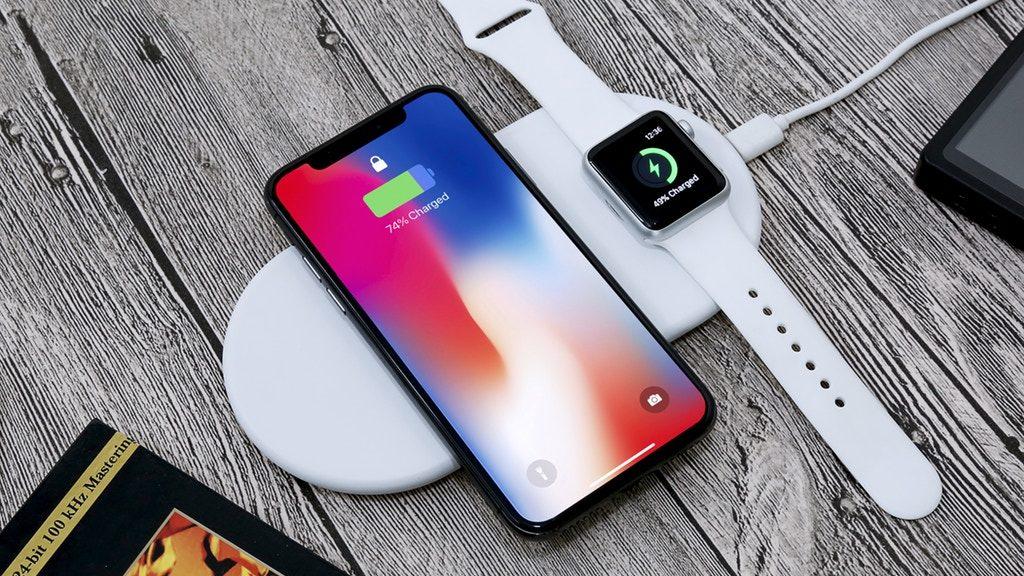 もうこれしかない!iPhoneとApple Watch同時充電のワイヤレス充電器