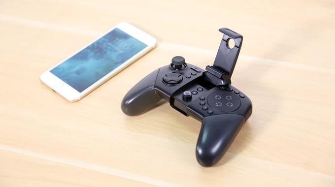 スマホ向けシューティングゲームにピッタリのコントローラー「GameSir G5」