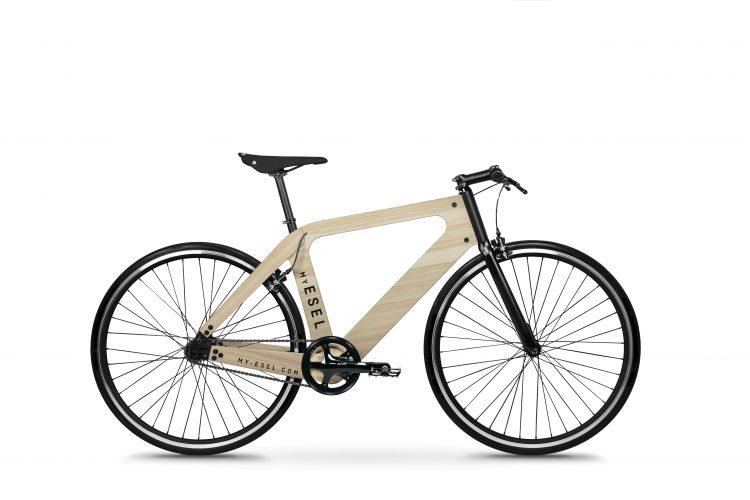 自由にデザインできる木製フレーム自転車「My Esel」。伝わる木の温もり