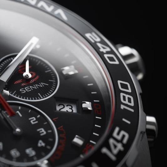 高級腕時計メーカー「タグホイヤー」の極上スマートウォッチが登場