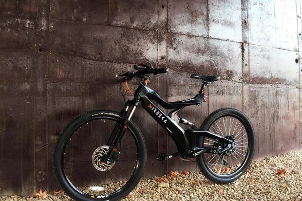 出力1000Wモーターに付け替え可能な電動アシスト自転車「Nireeka」