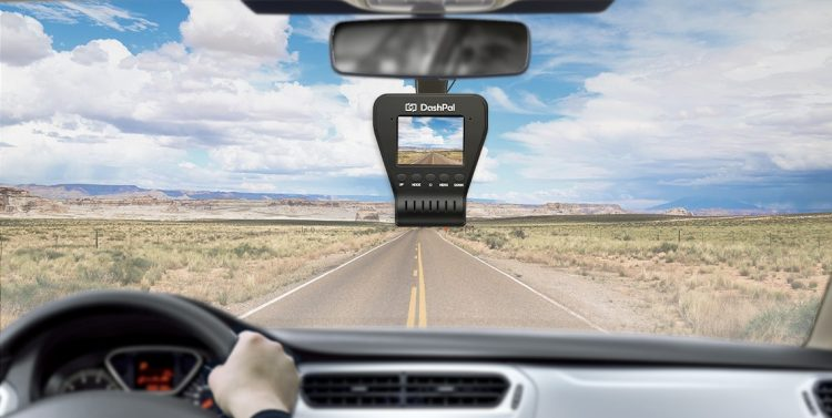 自動車の状態を家族で共有できるドライブレコーダー「DashPal」